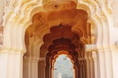 indien-hampi-lotus-mahal-torbogen-archway