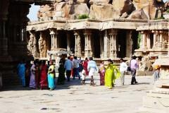 indien-hampi-tempel-tourists
