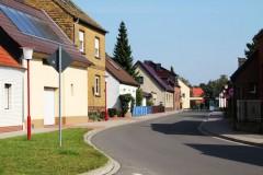 dorfstraße-möhlau-idylle