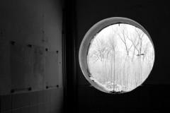 ausblick-ruine-fenster-winter-prospects