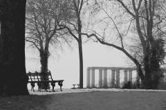bank-schloss-säulen-winter