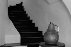 rumänien-bran-treppe-kanne-schloss-dracula