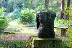 kopflos-stahnsdorf-denkmal-skulptur